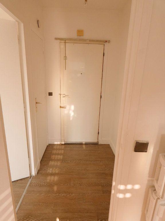 Appartement à louer 1 41m2 à Versailles vignette-4