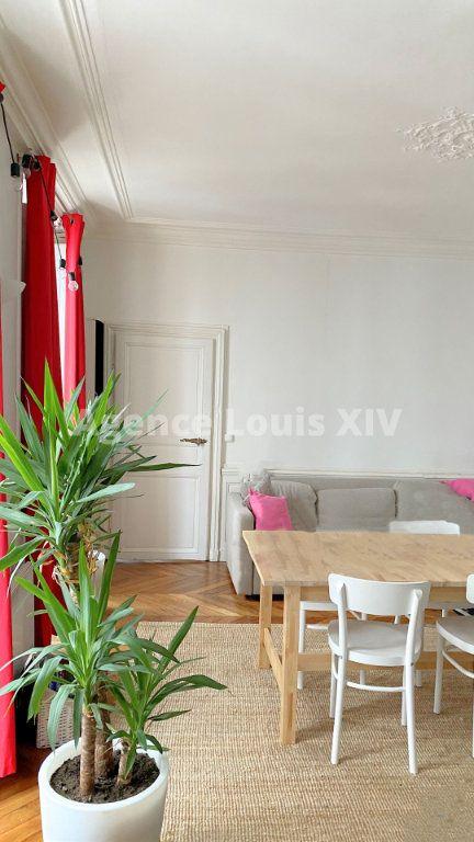 Appartement à vendre 3 63m2 à Versailles vignette-2
