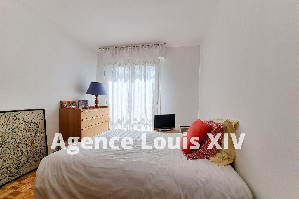 Appartement à vendre 3 80m2 à Versailles vignette-5