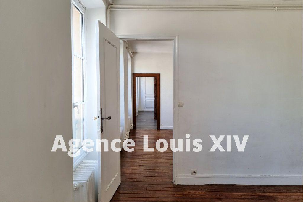Appartement à vendre 8 128.95m2 à Versailles vignette-6