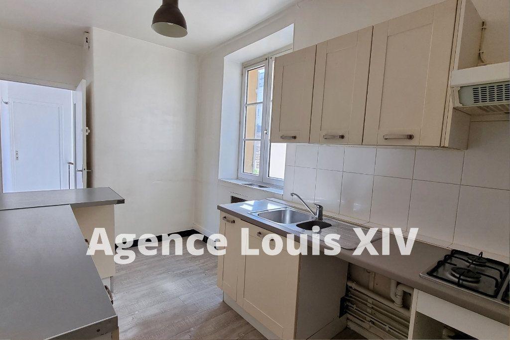Appartement à vendre 8 128.95m2 à Versailles vignette-7
