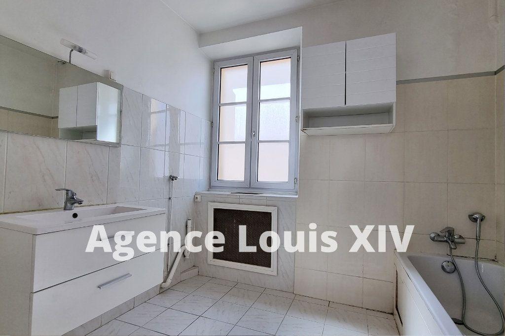 Appartement à vendre 8 128.95m2 à Versailles vignette-10