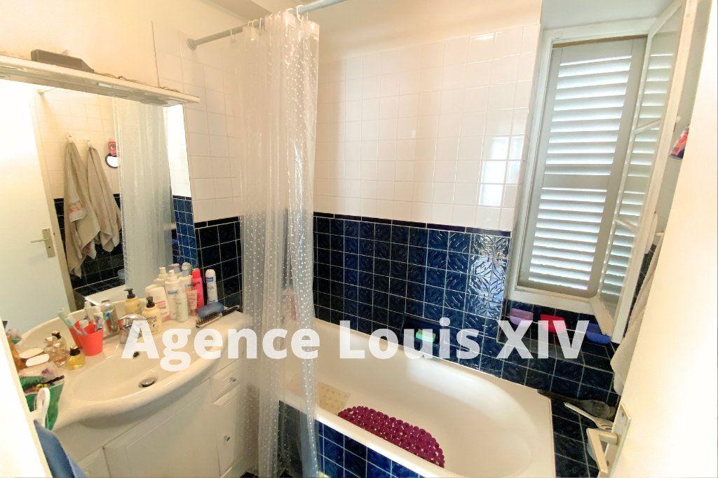 Appartement à vendre 2 36m2 à Versailles vignette-2