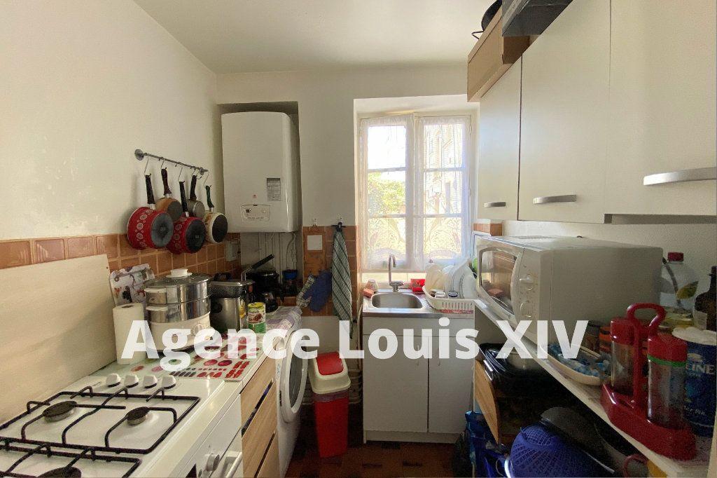 Appartement à vendre 2 36m2 à Versailles vignette-3