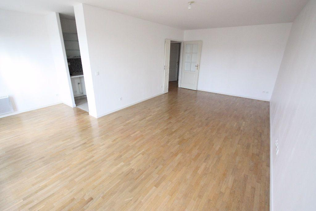 Appartement à louer 3 68.83m2 à Le Plessis-Robinson vignette-2
