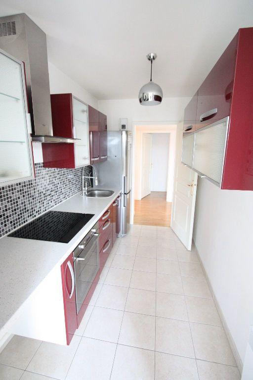 Appartement à louer 3 68.83m2 à Le Plessis-Robinson vignette-3