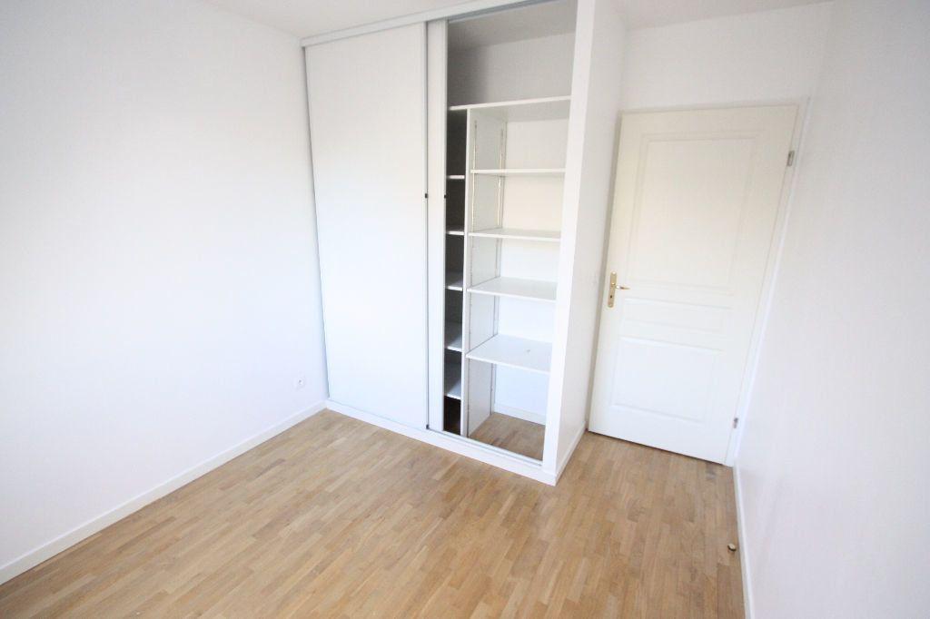 Appartement à louer 3 68.83m2 à Le Plessis-Robinson vignette-8