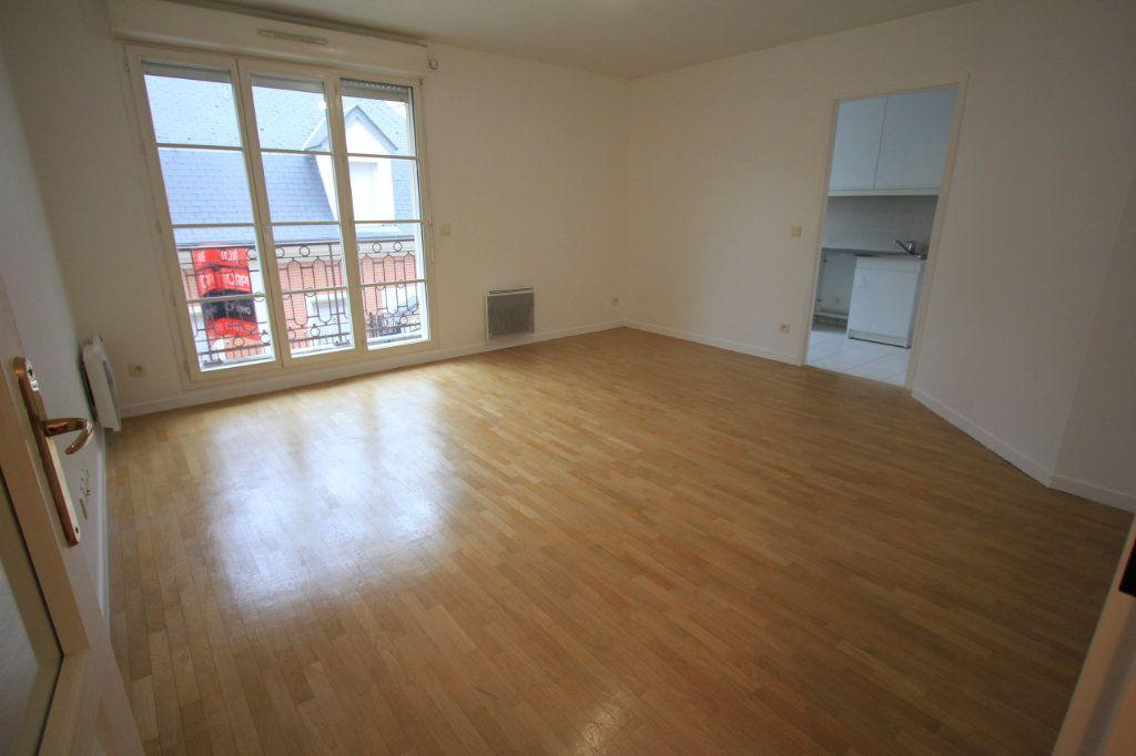 Appartement à louer 2 44.33m2 à Le Plessis-Robinson vignette-1