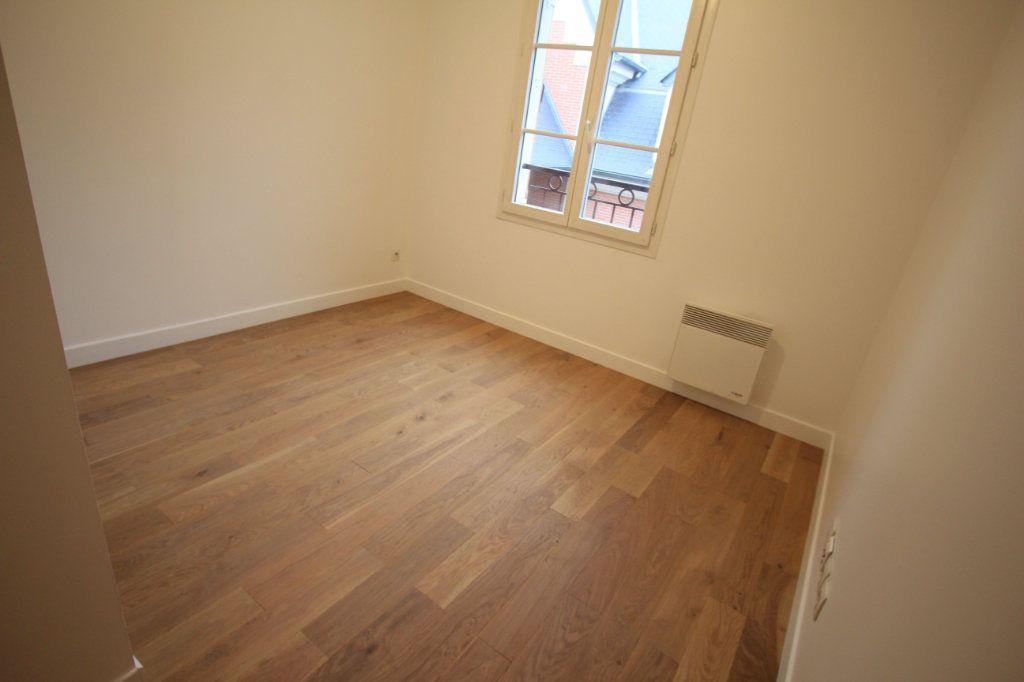 Appartement à louer 2 44.33m2 à Le Plessis-Robinson vignette-3