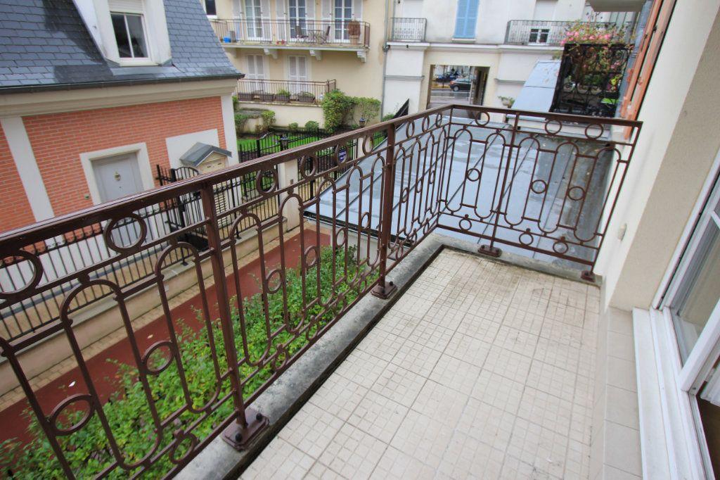 Appartement à louer 2 44.33m2 à Le Plessis-Robinson vignette-6