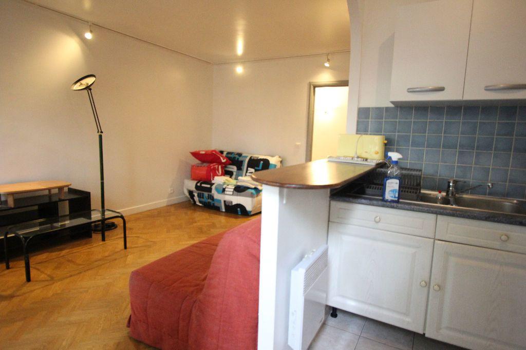 Appartement à louer 1 35m2 à Le Plessis-Robinson vignette-2