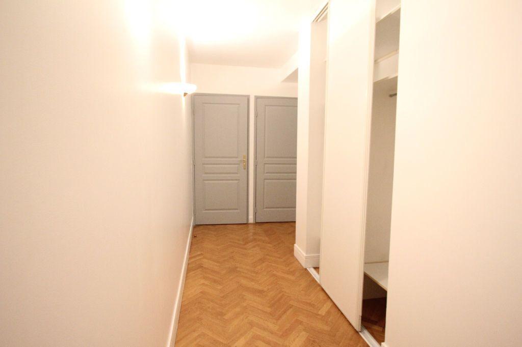 Appartement à louer 1 35m2 à Le Plessis-Robinson vignette-7