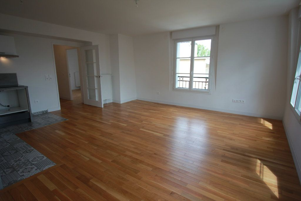 Appartement à louer 2 51.35m2 à Le Plessis-Robinson vignette-1