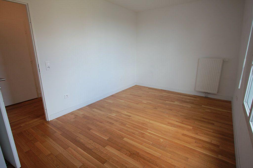 Appartement à louer 2 51.35m2 à Le Plessis-Robinson vignette-6
