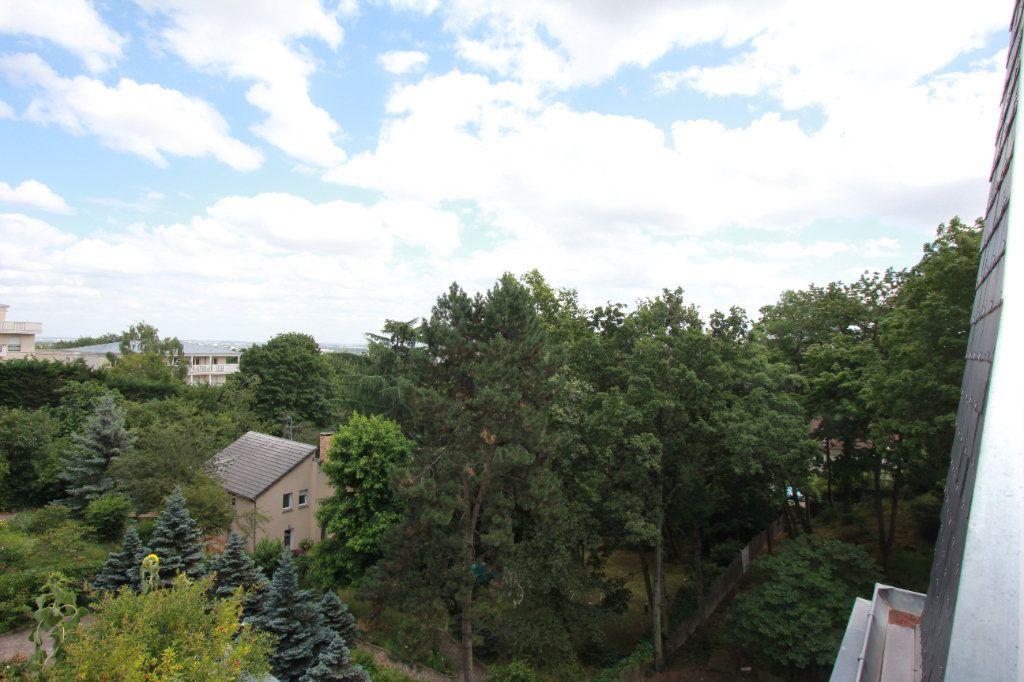 Appartement à louer 2 51.35m2 à Le Plessis-Robinson vignette-9