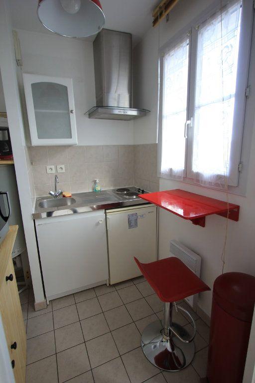 Appartement à louer 1 27.18m2 à Le Plessis-Robinson vignette-5