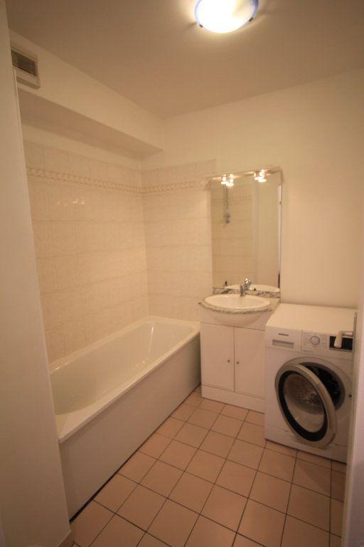 Appartement à louer 1 27.18m2 à Le Plessis-Robinson vignette-6