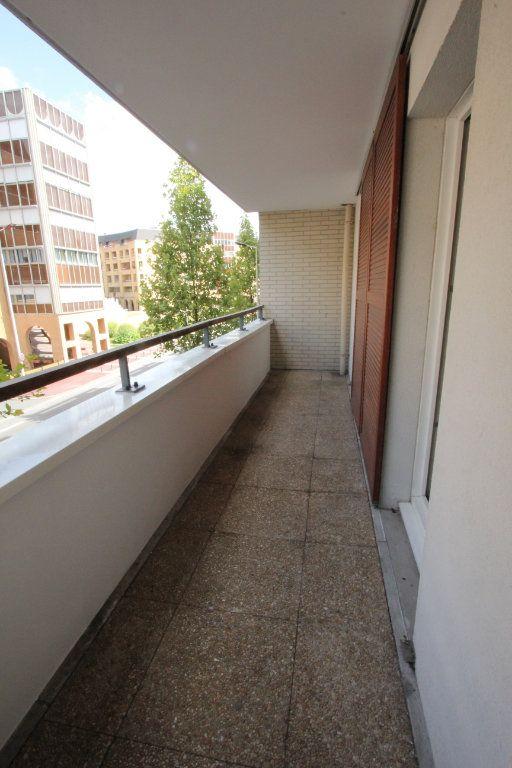 Appartement à louer 3 57.82m2 à Cachan vignette-3