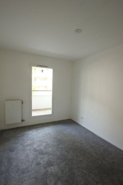 Appartement à louer 3 57.82m2 à Cachan vignette-5
