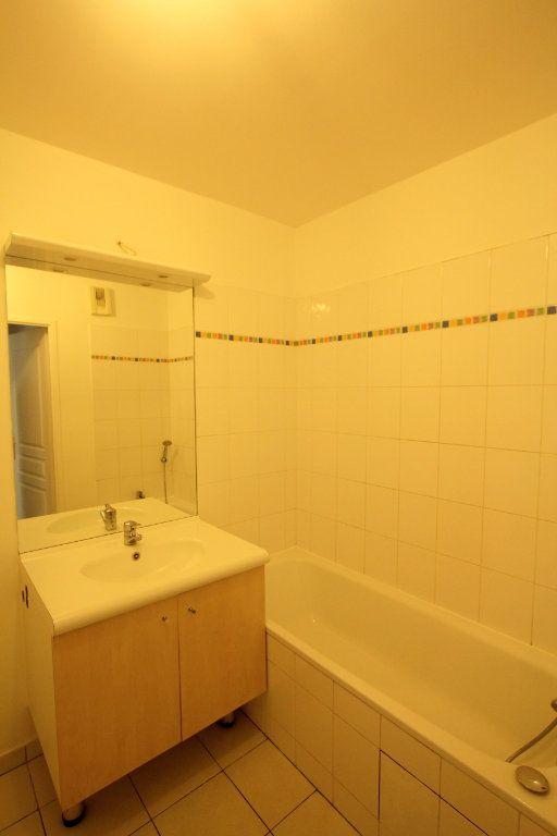 Appartement à louer 3 57.82m2 à Cachan vignette-6