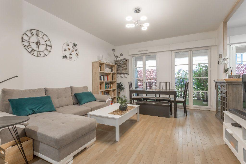 Appartement à vendre 2 49.87m2 à Le Plessis-Robinson vignette-4