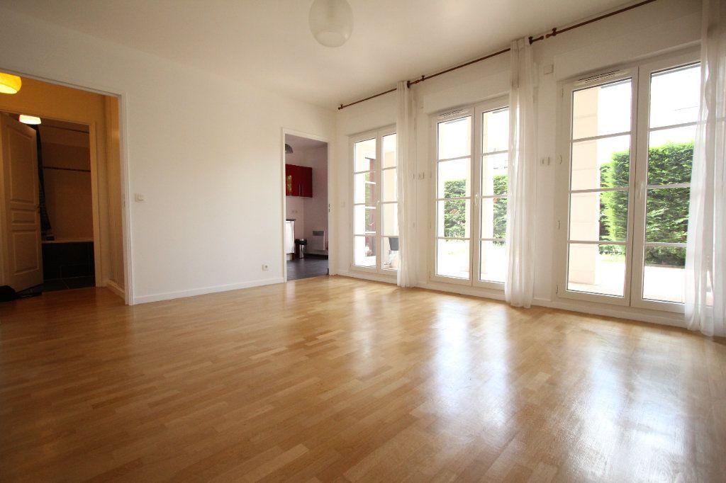 Appartement à louer 1 33.65m2 à Le Plessis-Robinson vignette-2