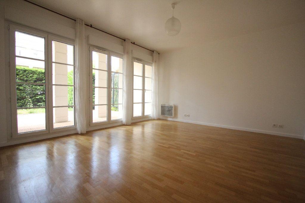 Appartement à louer 1 33.65m2 à Le Plessis-Robinson vignette-3