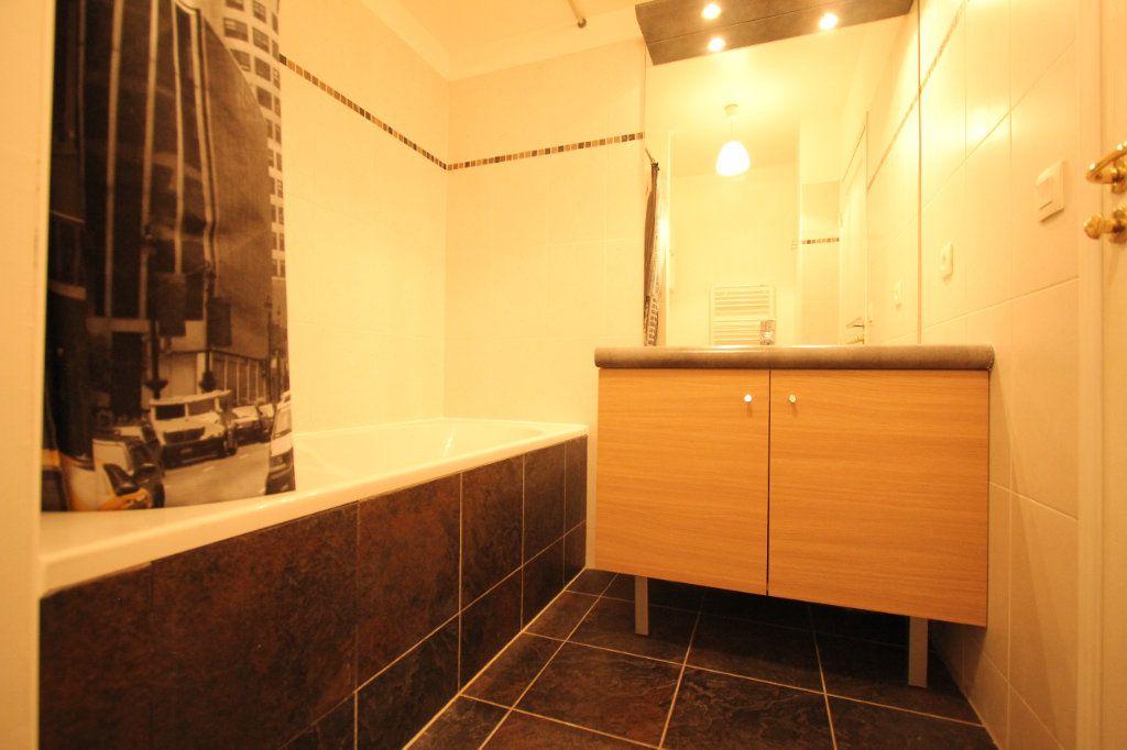 Appartement à louer 1 33.65m2 à Le Plessis-Robinson vignette-4