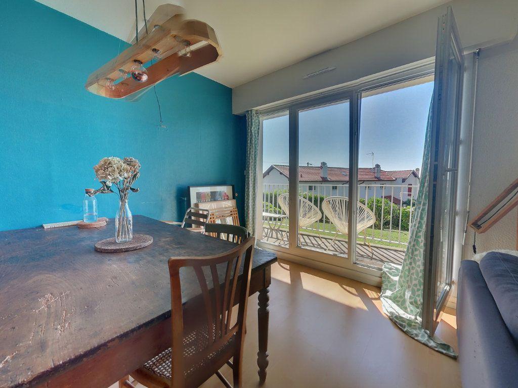 Appartement à vendre 5 109.35m2 à Biarritz vignette-1