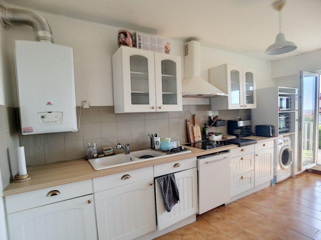 Appartement à vendre 5 109.35m2 à Biarritz vignette-4