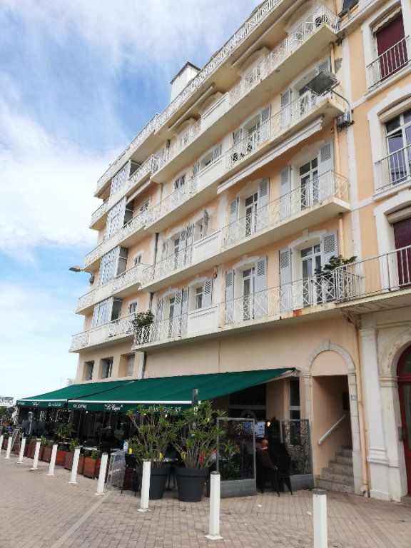 Appartement à vendre 4 78.33m2 à Biarritz vignette-1