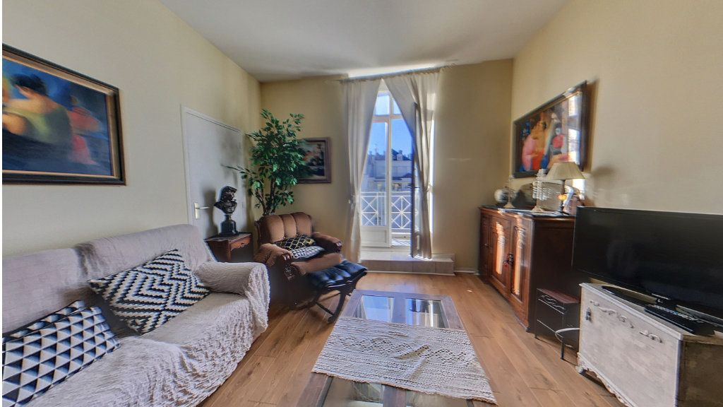 Appartement à vendre 4 78.33m2 à Biarritz vignette-3