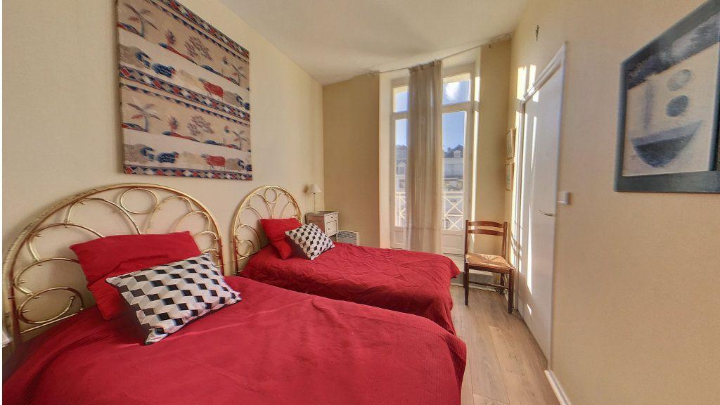Appartement à vendre 4 78.33m2 à Biarritz vignette-4