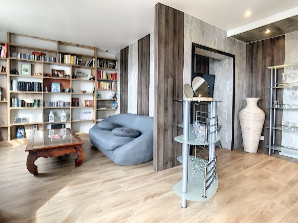 Appartement à vendre 3 66.21m2 à Biarritz vignette-3