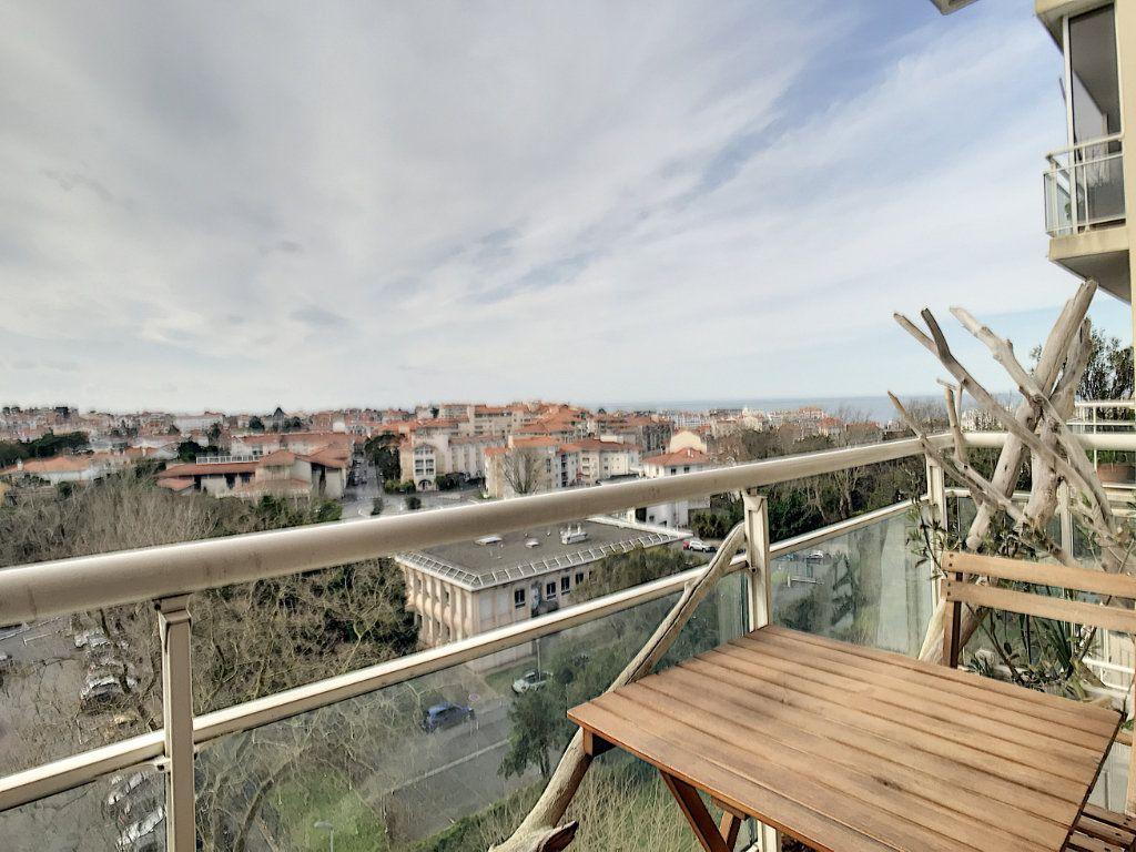 Appartement à vendre 3 66.21m2 à Biarritz vignette-4