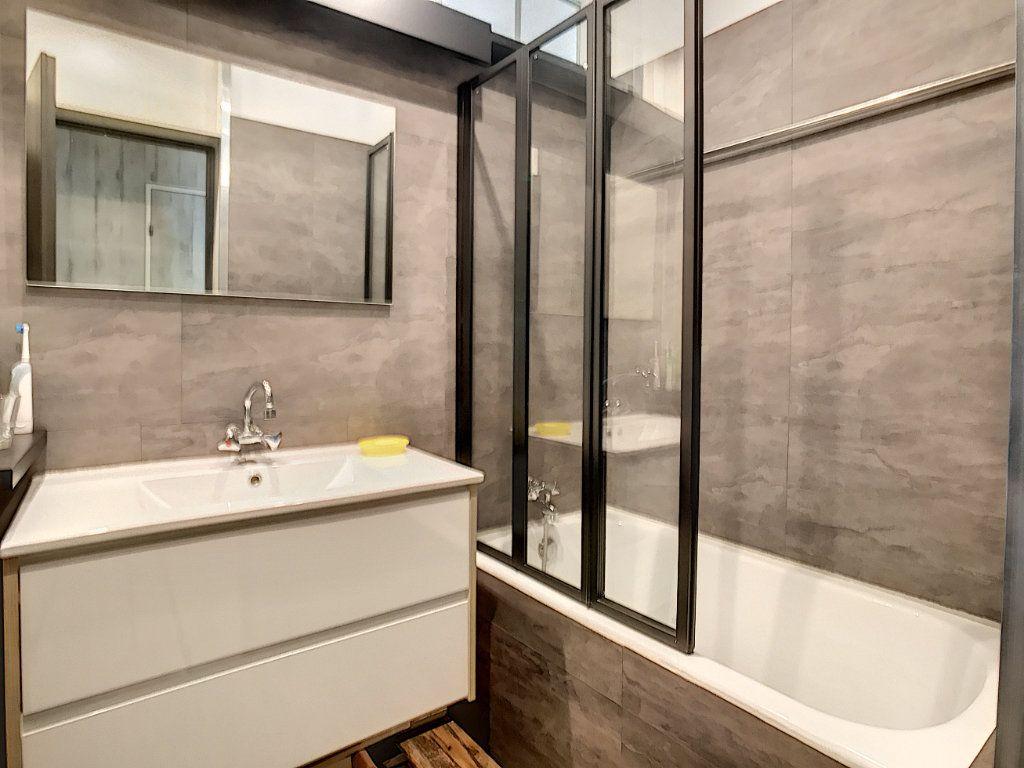 Appartement à vendre 3 66.21m2 à Biarritz vignette-6