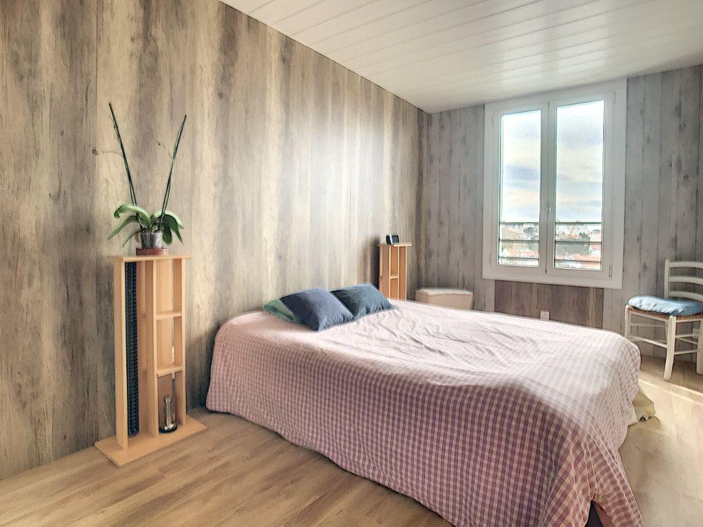 Appartement à vendre 3 66.21m2 à Biarritz vignette-8