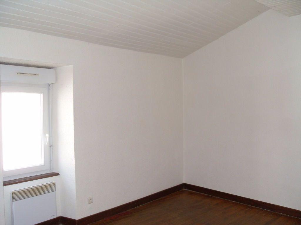 Maison à louer 3 59m2 à Pauligne vignette-2
