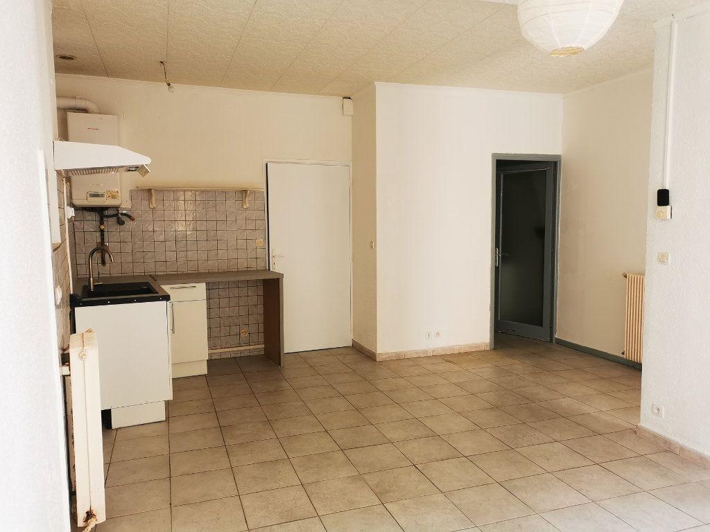 Appartement à louer 1 36.5m2 à Limoux vignette-1