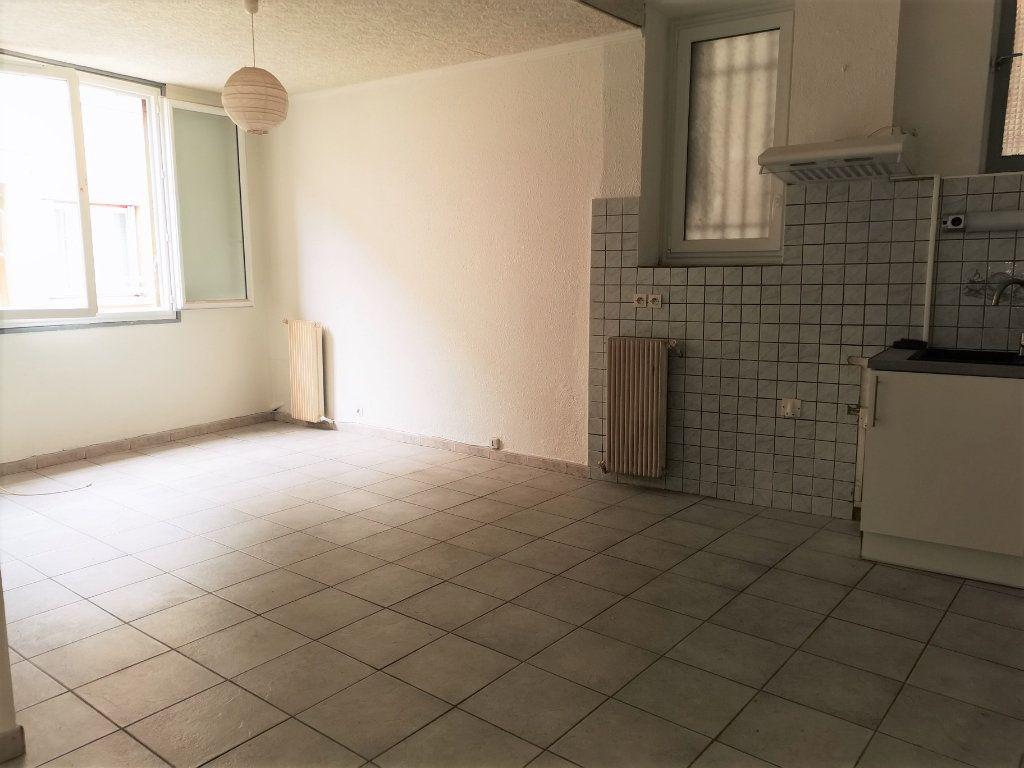 Appartement à louer 1 36.5m2 à Limoux vignette-3