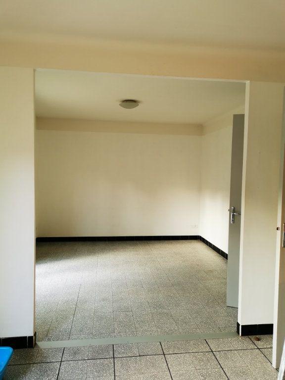 Maison à louer 4 80.97m2 à Limoux vignette-2