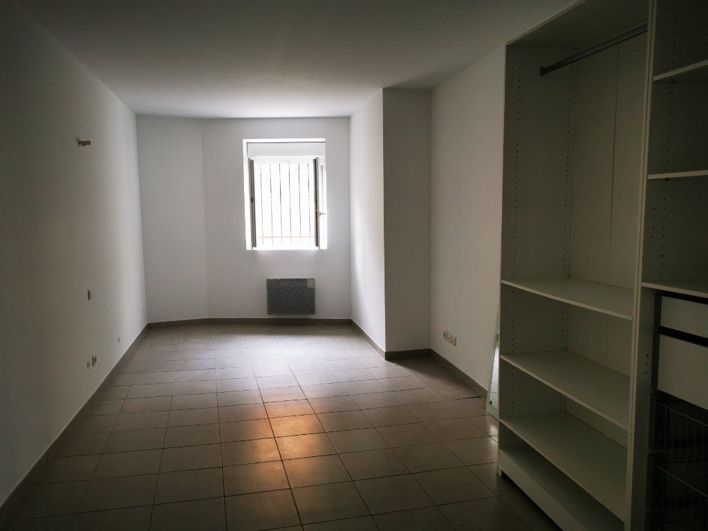 Appartement à louer 2 55.32m2 à Limoux vignette-3