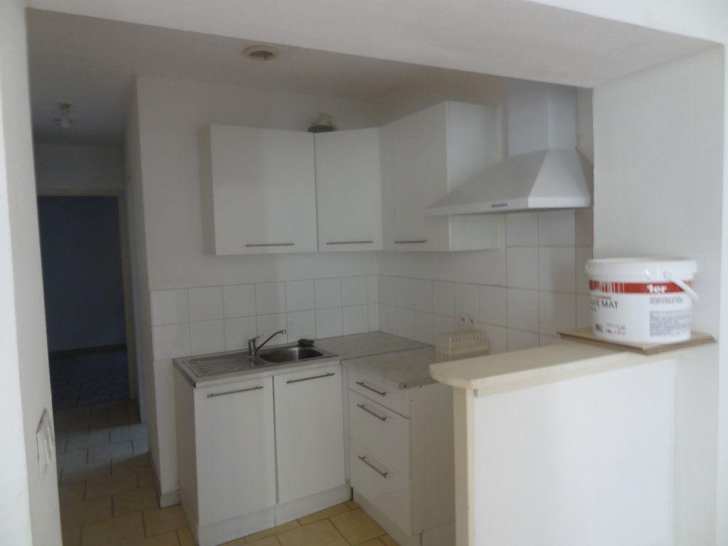 Appartement à louer 2 32.81m2 à Limoux vignette-3