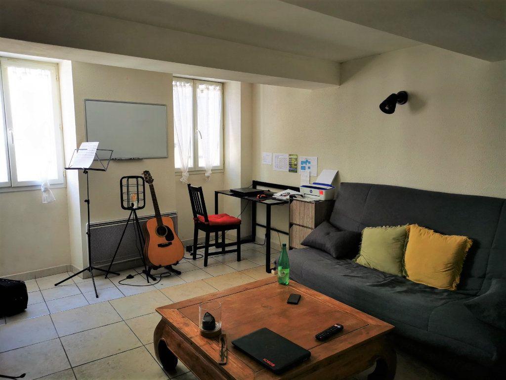 Appartement à louer 2 58.46m2 à Limoux vignette-2