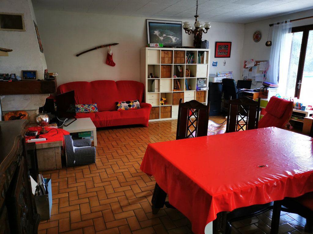 Maison à louer 4 126.49m2 à Limoux vignette-3