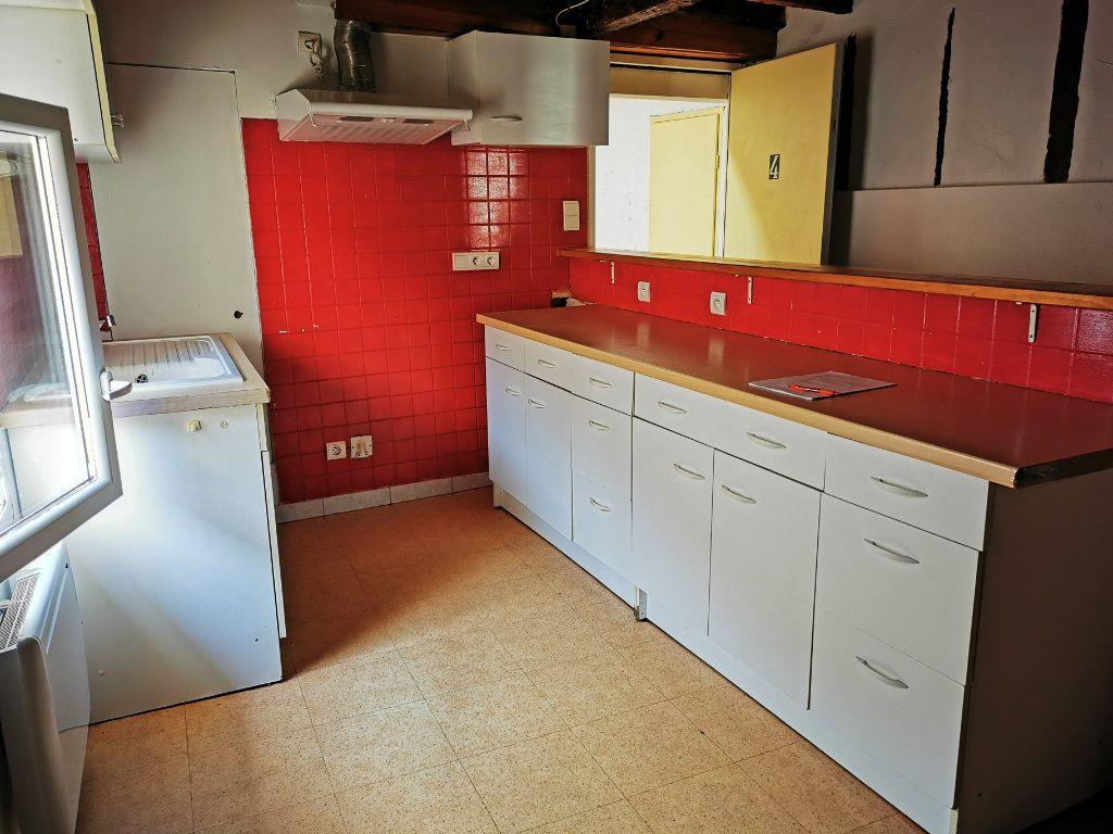 Appartement à louer 2 66m2 à Limoux vignette-2