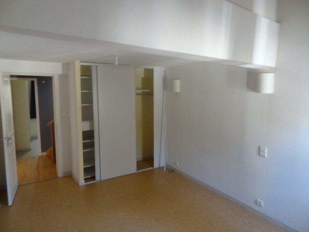 Appartement à louer 2 66m2 à Limoux vignette-5