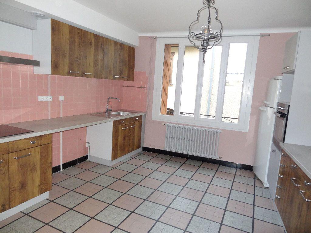 Appartement à louer 2 57m2 à Limoux vignette-1