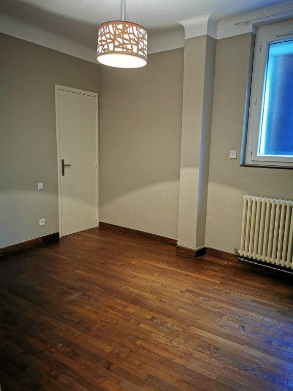 Appartement à louer 2 57m2 à Limoux vignette-3