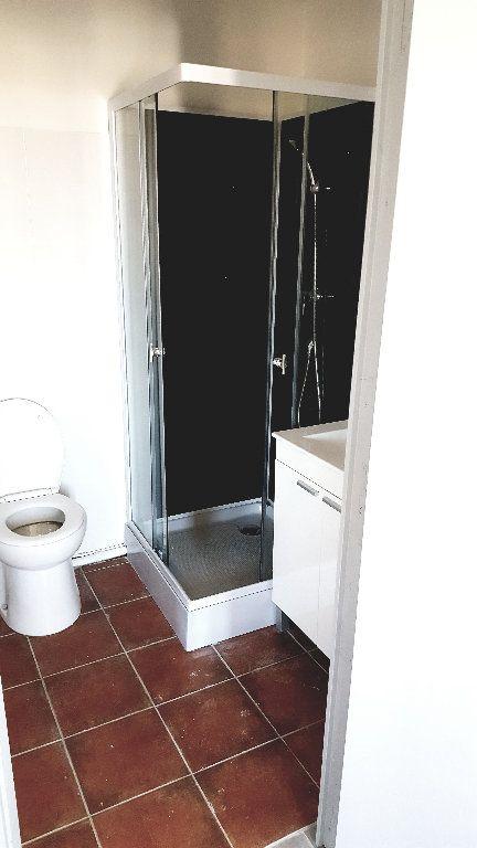 Appartement à louer 3 63.2m2 à Carcassonne vignette-5